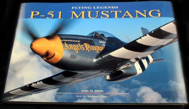 FLYING LEGENDS P-51 MUSTANG BOOK